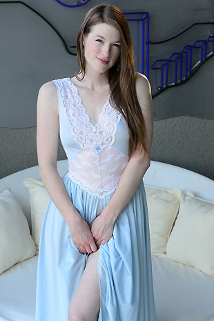 Gemma Minx In Her Flowing Gown Plays With Herself - Picture 5